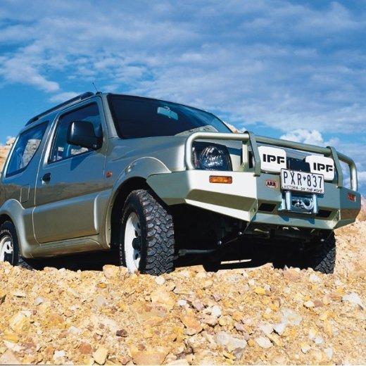 Передний бампер ARB Deluxe на Suzuki Jimny 1998-2011г. (3224020)