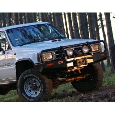 Передний бампер ARB Deluxe на Toyota Hilux/Tiger/Vigo 1984-1988г. под лебедку (3414090)