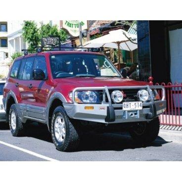 Передний бампер ARB Deluxe на Mitsubishi Pajero/Montero NM 2000-2003г. под лебедку (3434050)