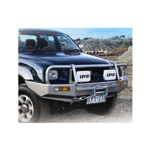 Передний бампер ARB Deluxe на Mitsubishi Triton/L200/Strada 1996-2001г под лебедку (3446020)