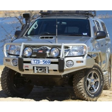 Передний бампер ARB Deluxe на Toyota Hilux/Tiger/Vigo 2005-2011г. под лебедку с противотуманками, с расш. крыла (3414400)