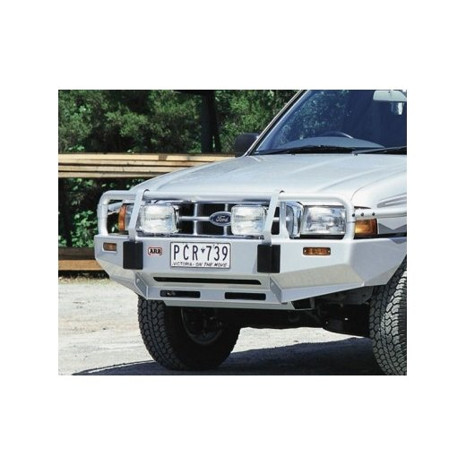 Передний бампер ARB Deluxe на Ford Courier 1999-2007г. с расширителями крыльев (3240060)